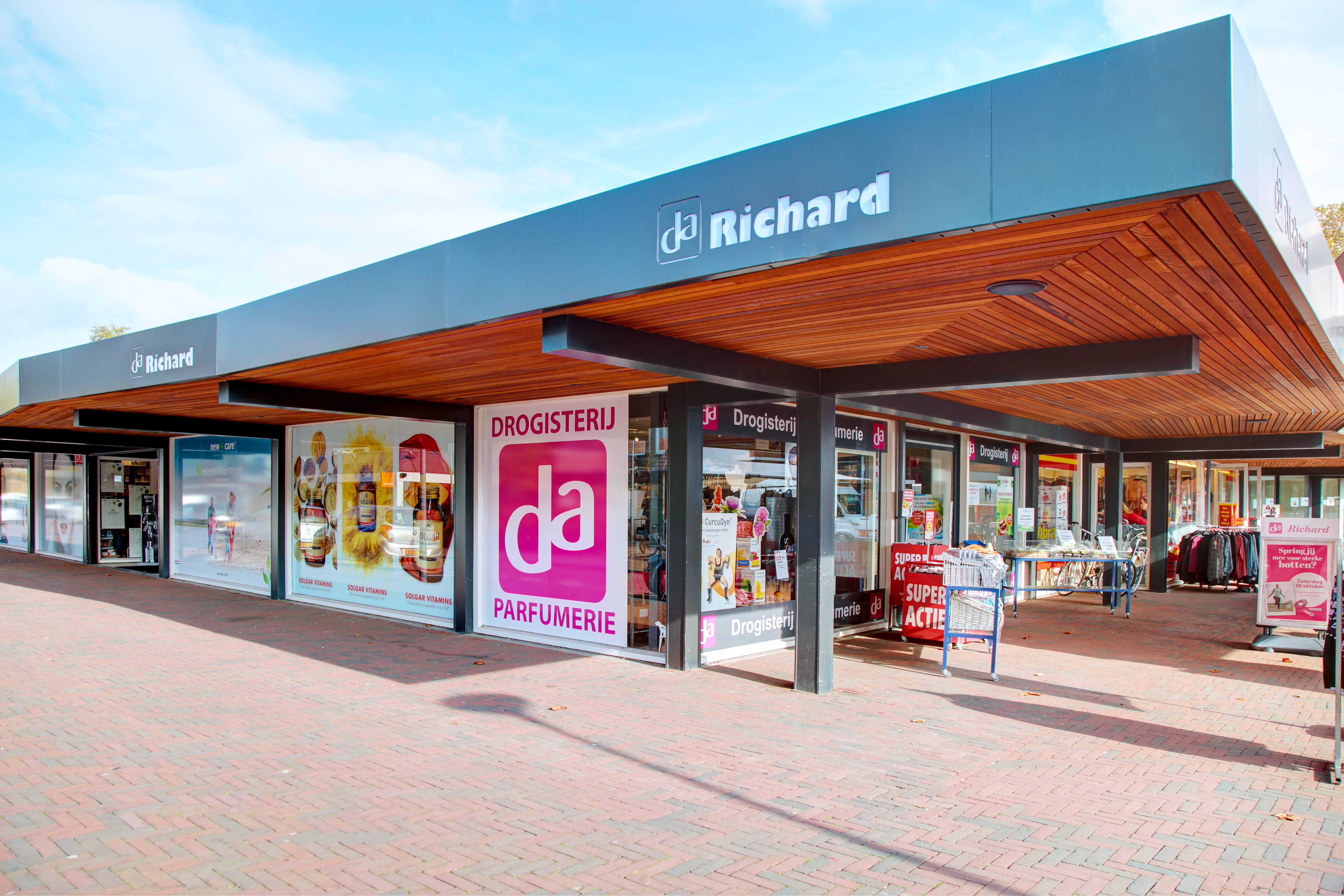 b25aca49dc1 DA Drogisterij & Parfumerie Richard, Rozenburg - DA